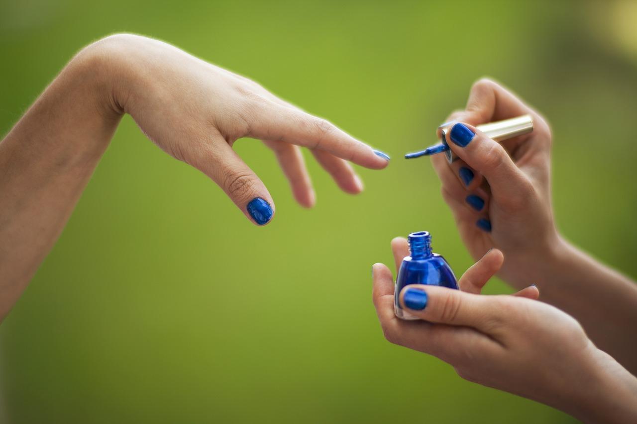 manicure malowanie paznokci